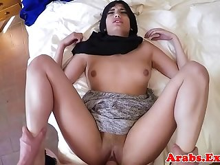 Muslim amateur gives head before pounding