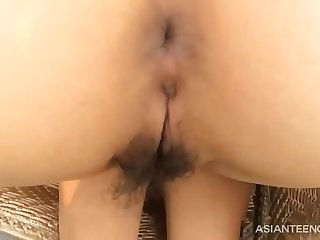 Leaked car sex video of a real Chinese couple