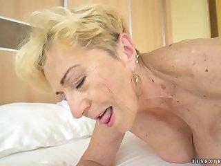 Old woman Malya still needs a good fuck